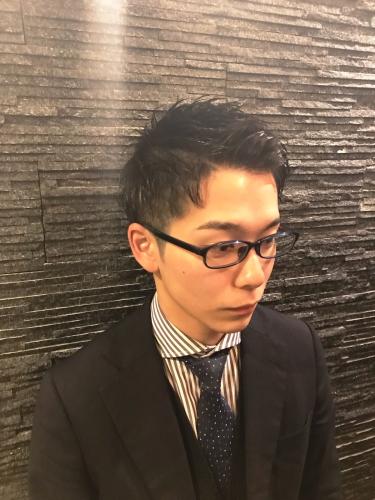 【メンズヘア】ビジネスシーンで対応できるかっこいいヘアスタイルとは…?