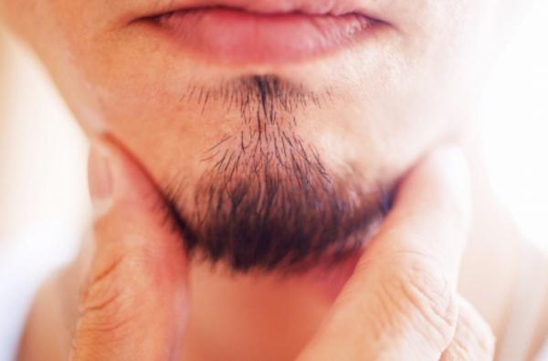 骨格に合った髭の形<シンガポールにある日本の床屋>