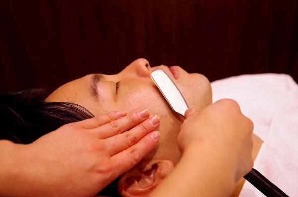 台湾 顔剃りについて書きます❗️ シェービング  shaving レディースシェービング〈台北/理容室/床屋〉