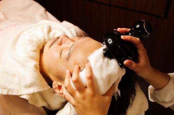 【毛穴の汚れごっそり】頭皮の大掃除で抜け毛べたつき予防