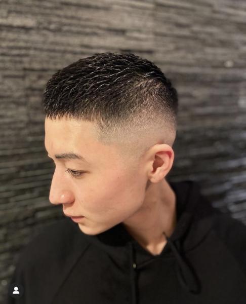 最近見かけるこの髪型って??〜クロップスタイル〜