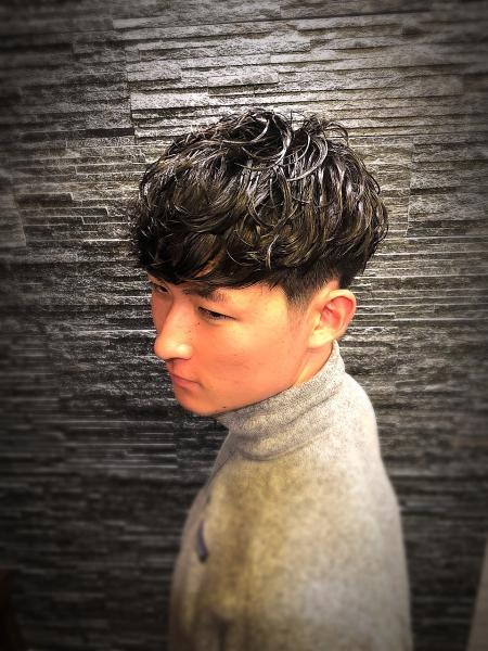 黒髪マッシュ×ツーブロック